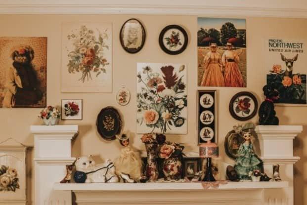 beautiful flower and w all art arrangement