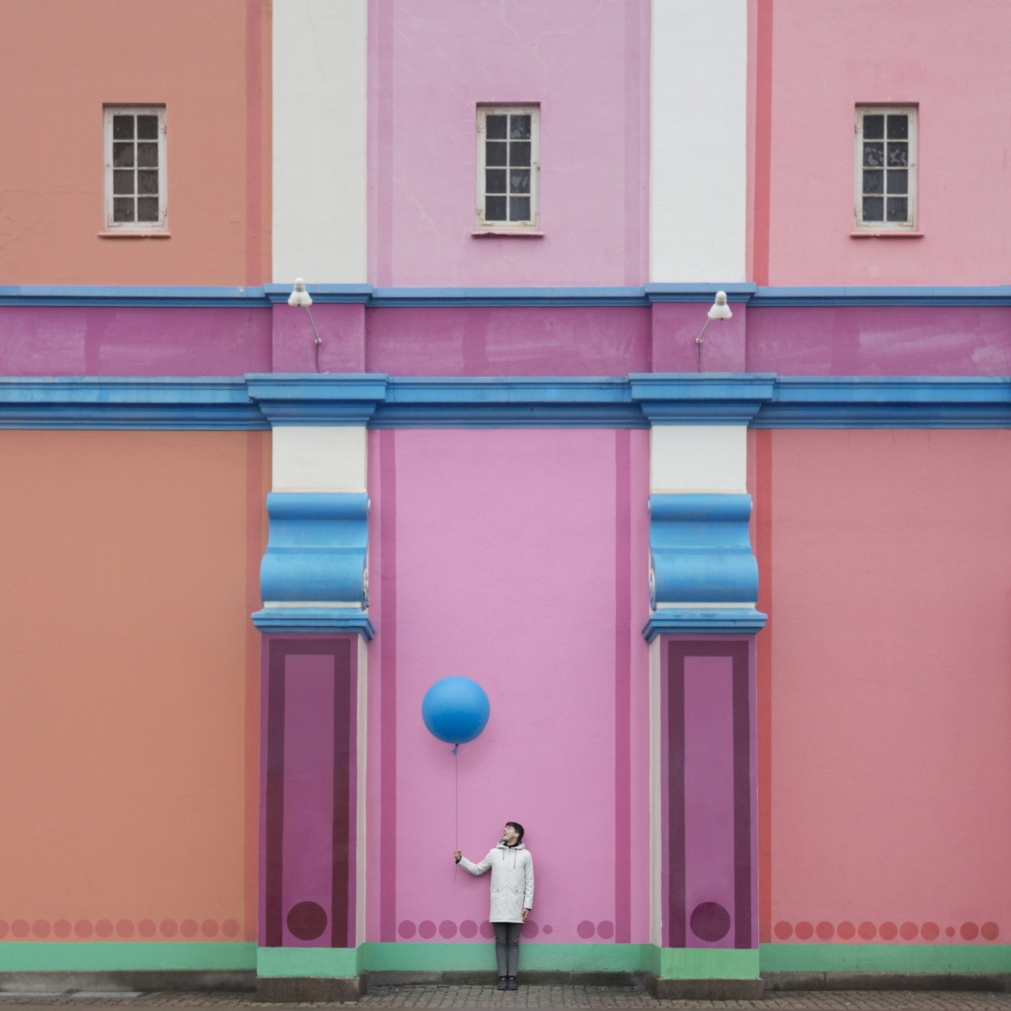 colorful minimalistic playful instagram account pictures by anna devis benet