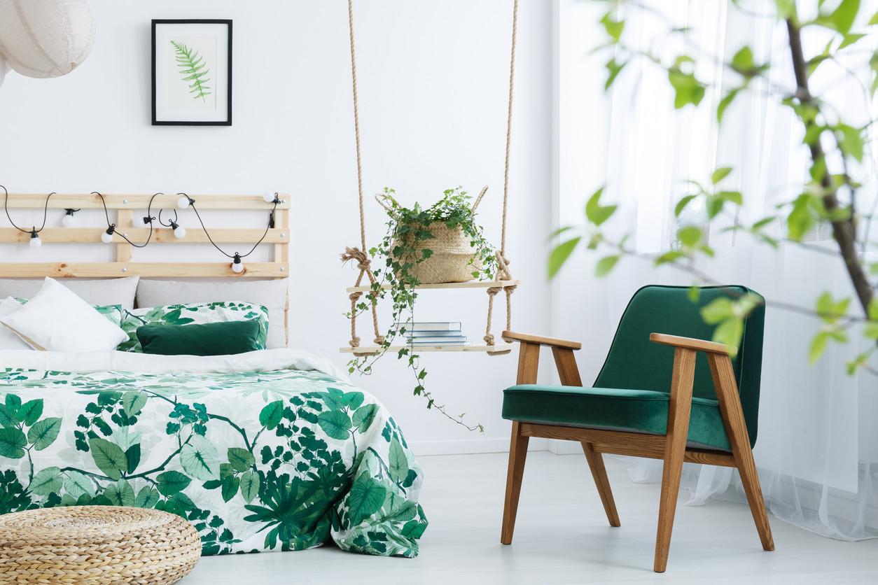 color-palette-green-interior-design-bedroom-floral