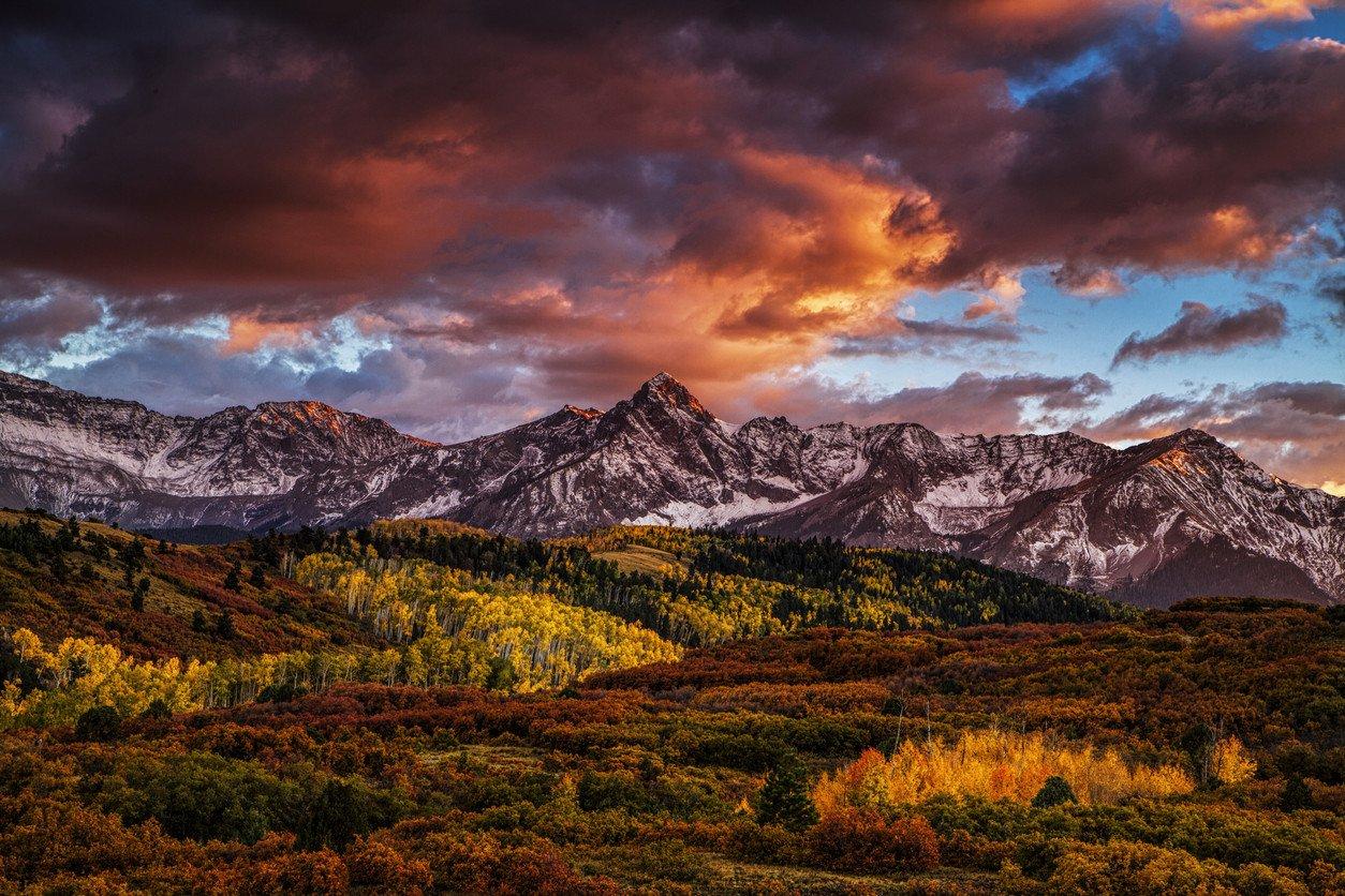 fiery-autumn-sunset-landscape-mountains