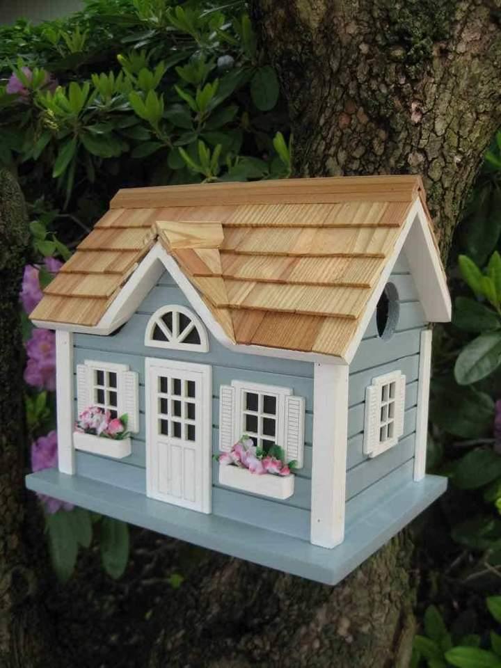 New England summer bird house