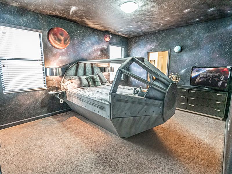 Star Wars-themed bedroom